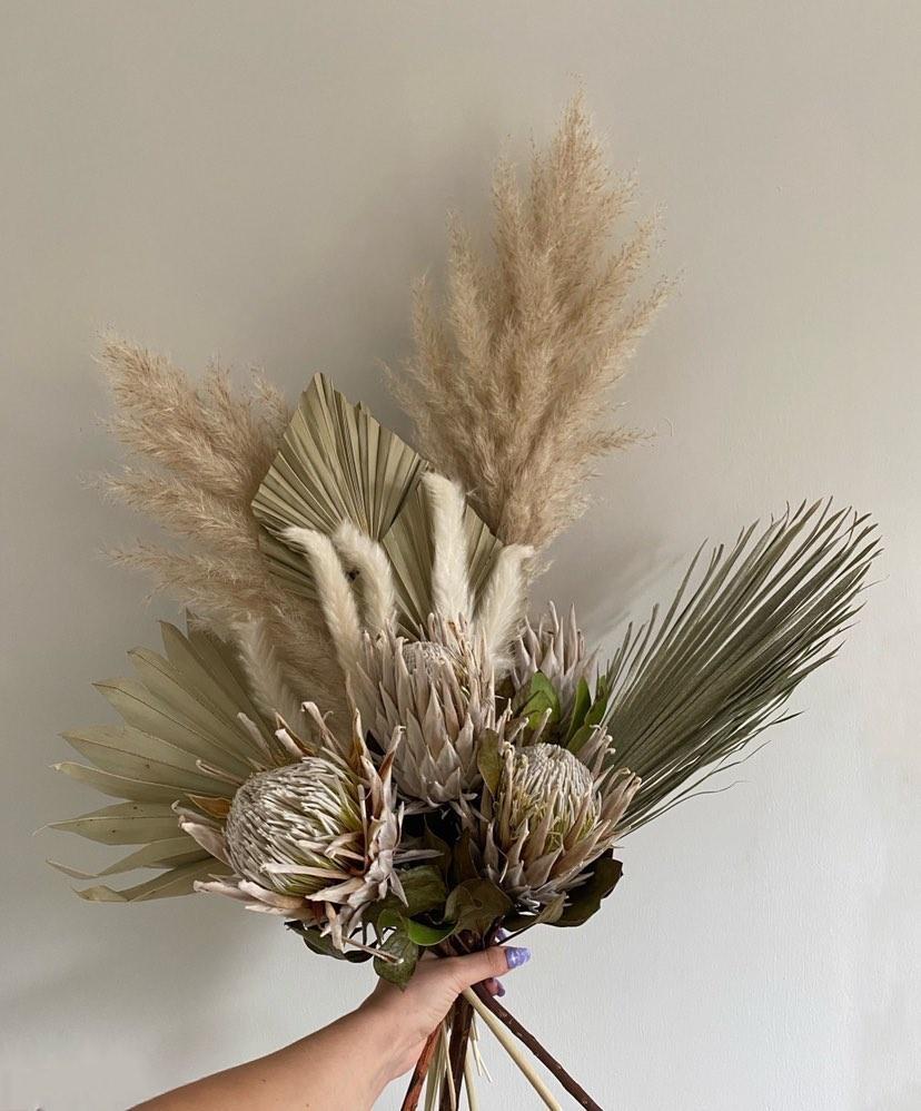 The Classic Bouquet 1