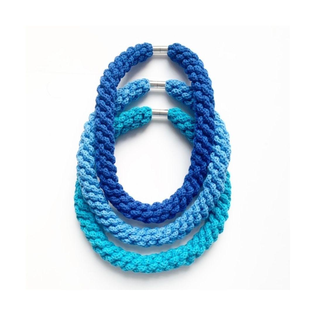 Handmade by Tinni – Emilia Necklace – Blue – ETSY